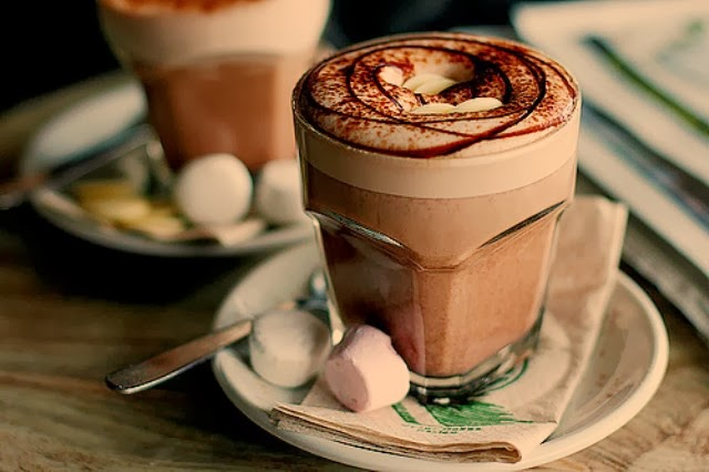 5 Tempat Nongkrong Terasyik Sambil Minum Coklat Panas