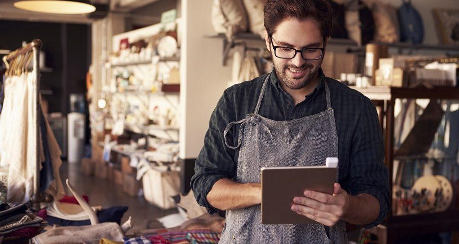 ilustrasi pemilik usaha kecil menguntungkan